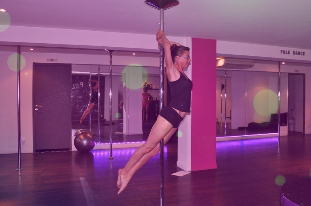 pole dance 93